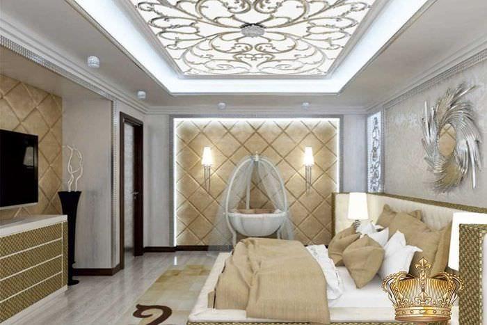светлый интерьер комнаты со стеновыми панелями