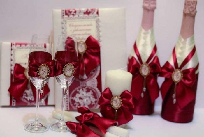 шикарное декорирование бутылок декоративными ленточками