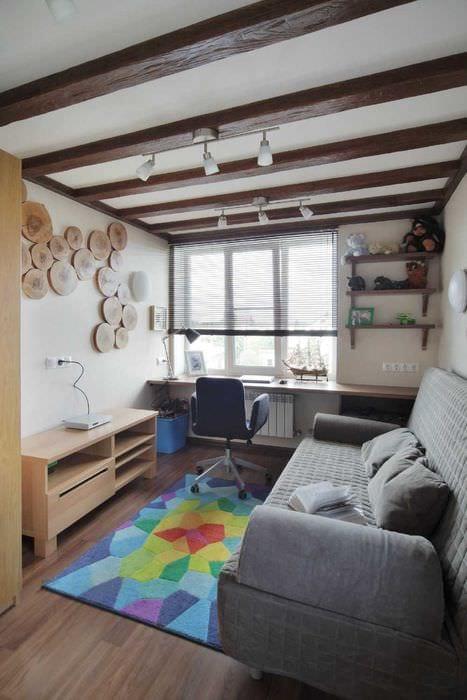 оригинальный стиль спальни со спилами дерева