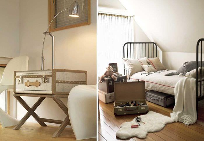 яркий интерьер гостиной со старыми чемоданами