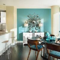 яркий декор квартиры в голубом цвете фото