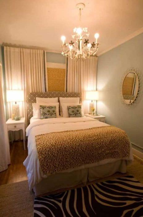 яркий фасад спальни
