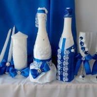 необычное украшение стеклянных бутылок декоративными ленточками картинка