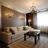 сочетание ярких обоев в дизайне гостиной картинка