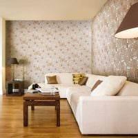 комбинирование оригинальных обоев в дизайне гостиной комнаты фото