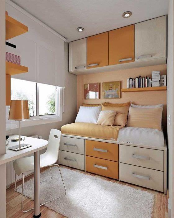 сочетание темного оранжевого в дизайне дома с другими цветами
