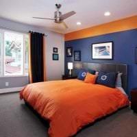 сочетание темного оранжевого в дизайне гостиной с другими цветами фото