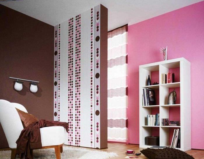 сочетание светлого розового в стиле комнаты с другими цветами