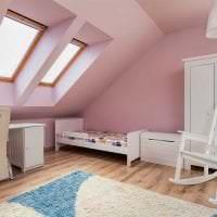 сочетание темного розового в декоре гостиной с другими цветами фото