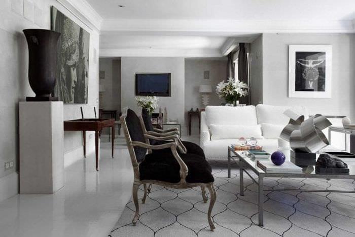 сочетание светлого серого цвета в декоре дома