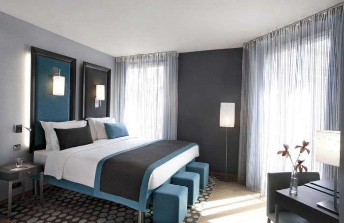 сочетание яркого серого в декоре комнаты с другими цветами