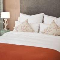 комбинирование ярких тонов в дизайне спальни фото