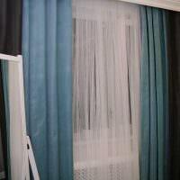 сочетание темных штор в интерьере спальни картинка