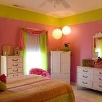сочетание яркого розового в интерьере дома с другими цветами картинка