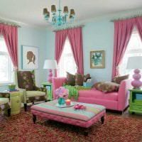 сочетание светлого розового в декоре гостиной с другими цветами картинка