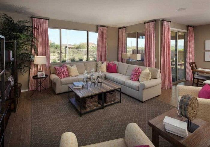сочетание светлого розового в декоре комнаты с другими цветами