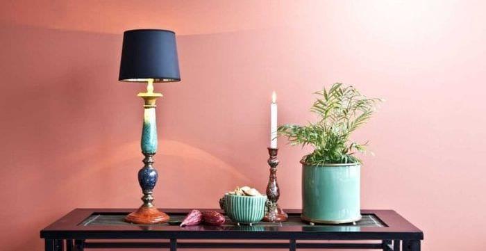 сочетание яркого розового в интерьере квартиры с другими цветами
