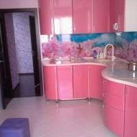 сочетание светлого розового в дизайне кухни с другими цветами картинка