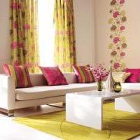 сочетание светлых штор в декоре квартире картинка