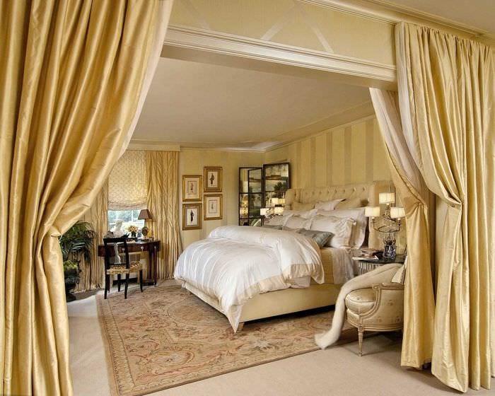 сочетание ярких штор в стиле квартире