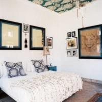 яркое оформление потолка рисунком фото