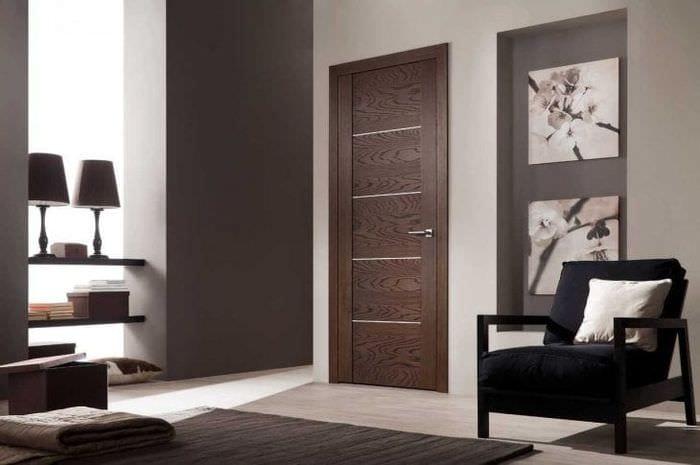 светлые двери в стиле квартиры