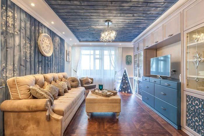 яркий интерьер квартиры со стеновыми панелями