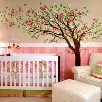 вариант светлого декора детской комнаты фото