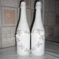 идея необычного декорирования бутылок шпагатом фото