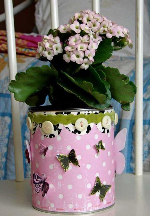 идея необычного оформления цветочных горшков
