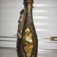 идея красивого оформления стеклянных бутылок шпагатом фото