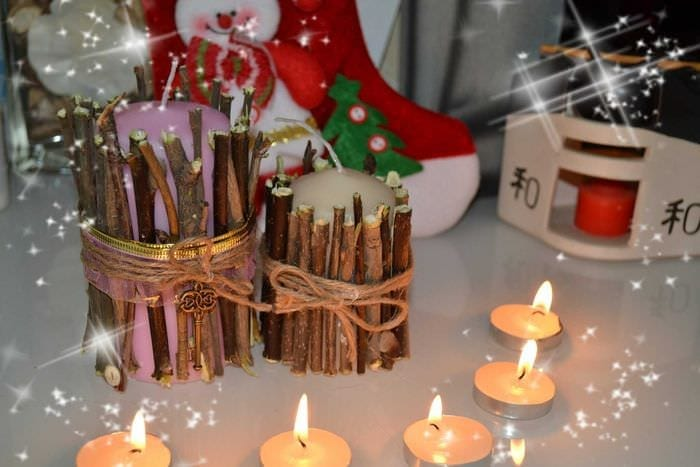вариант яркого украшения свечей своими руками