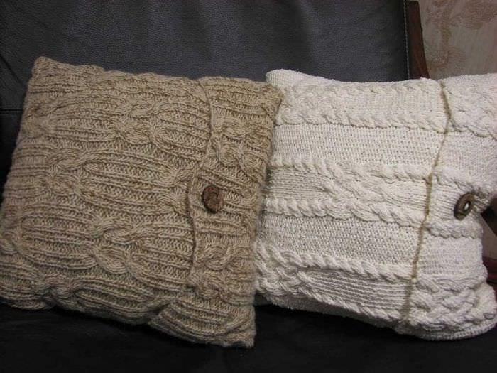 вязанные подушки в стиле квартиры