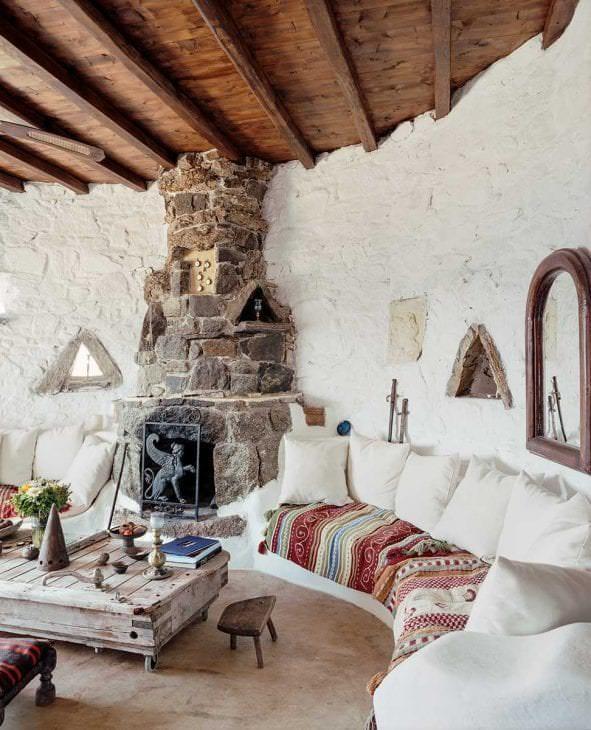 необычный стиль комнаты в греческом стиле
