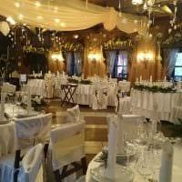 необычное оформление свадебного зала цветами картинка