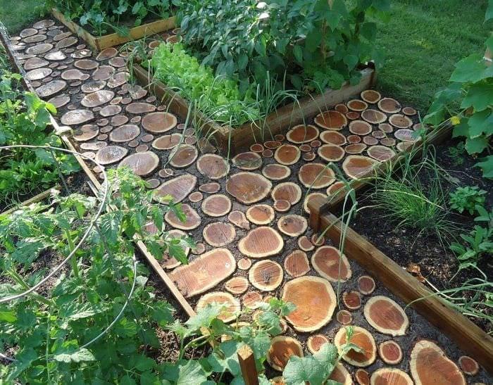 необычное украшение садового участка своими руками