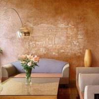 вариант красивого интерьера квартиры с декоративным рисунком на стене фото
