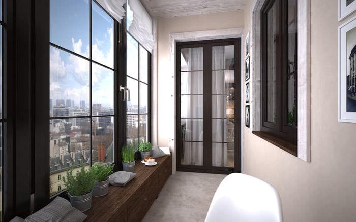 вариант оригинального стиля маленького балкона