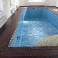 идея красивого интерьера небольшого бассейна фото