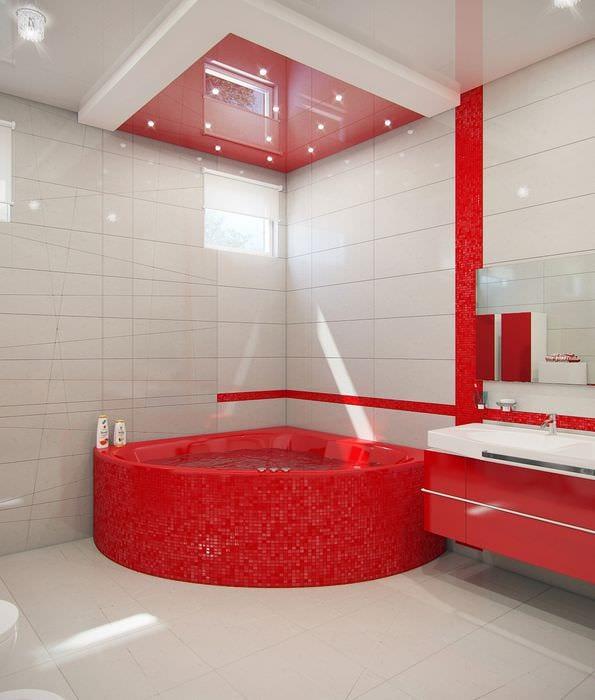 вариант яркого интерьера белой ванной комнаты