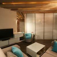 вариант оригинального интерьера квартиры с декоративными балками картинка