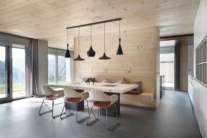 вариант красивого дизайна дома в дереве