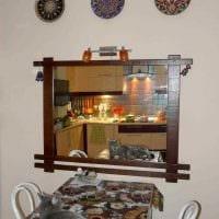вариант оригинального стиля спальни с декоративными тарелками на стену картинка