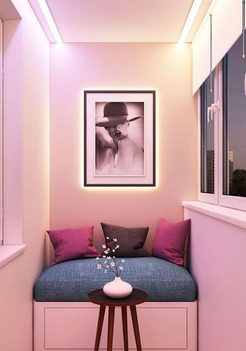 идея современного интерьера небольшого балкона