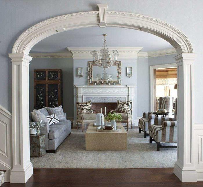 идея необычного декора спальни с аркой