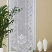 вариант необычных декоративных штор в дизайне комнаты фото
