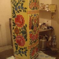 идея яркого украшения холодильника картинка