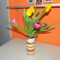 идея оригинального украшения настольной вазы фото