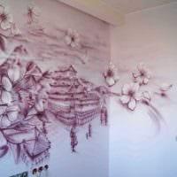вариант красивого интерьера комнаты с декоративным рисунком на стене фото