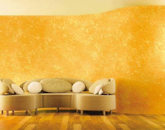 вариант красивого стиля комнаты с декоративной штукатуркой